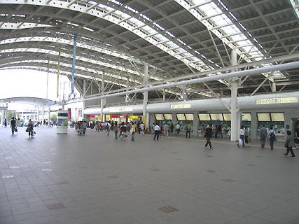 さいたま新都心駅構内