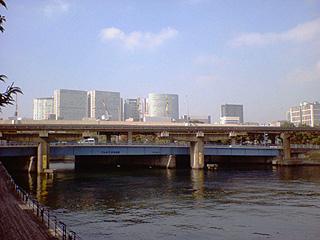 天王洲運河と品川インターシティ