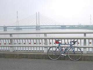 幸魂大橋(彩湖)